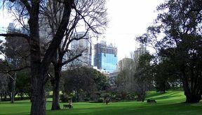 800px-Melbourne Treasury Gardens