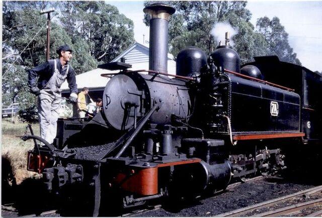 File:800px-Victorian Railways nA class 2-6-2 7A at Menzies Creek.jpg