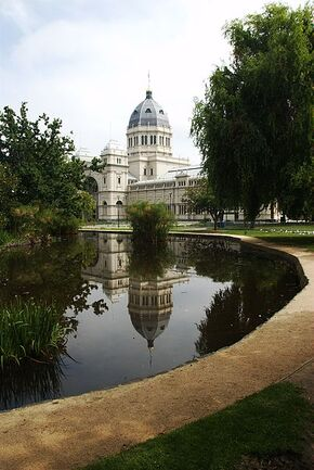 402px-Melbourne Royal Exhibition Building with pool