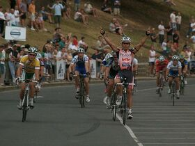 797px-Robbie McEwen 2007 Bay Cycling Classic 1