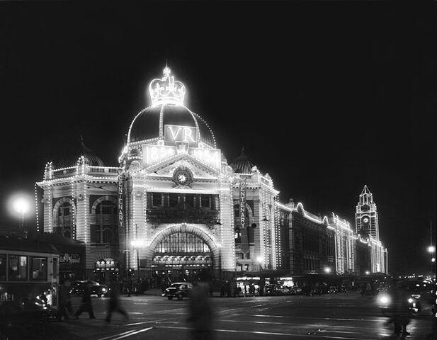 File:Flinders Street Station 1954.jpg