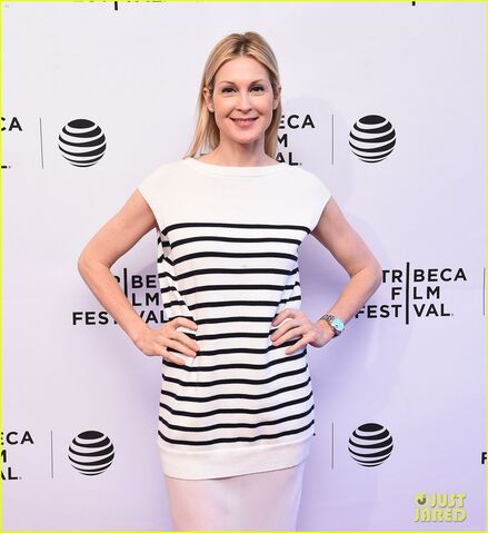File:Kelly-rutherford-lands-recurring-role-in-quantico-03.jpg