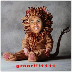 Criança Fantasiada de Leão