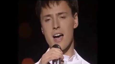 Meme do cantor gritando fazendo falsete - sem marcações