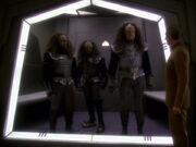 Odo verhaftet Klingonen