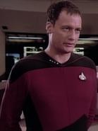 Q en Capitaine de Starfleet 2364
