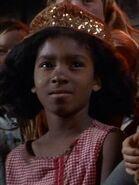 Kleinling Mädchen mit Hut 2266