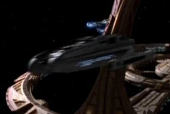 USS <i>Nash</i> leaving DS9, bow view