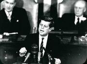 Kennedy hält eine Rede