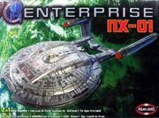 Polar Lights PL53028 Model kit Enterprise NX-01 2005