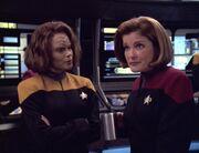 Torres und Janeway haben Zweifel an Sevens Theorie