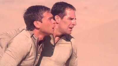 Archer und Tucker in der Wüste