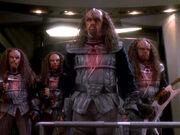 Klingonen beamen an Bord