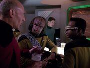 Picard La Forge und Worf singen