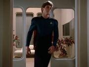 Fähnrich Wissenschaft USS Enterprise-D 2364 verlässt die Krankenstation