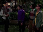 Sheldon mit Bat'leth