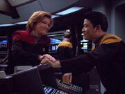 Janeway und Kim sind euphorisch