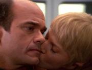 Kes gibt dem Doktor einen Kuss