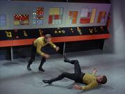 Kirk und Finney kämpfen