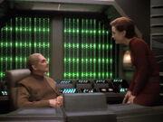 Odo und Kira sprechen sich in dessen Büro aus