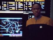 Tuvok erklärt Flugroute des Hirogen-Schiffes