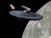 Enterprise im Orbit von Q
