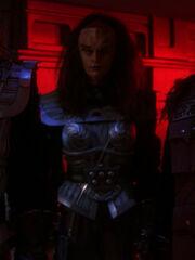 Klingonische Zuschauerin im Hohen Rat 2367