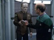 Der Doktor und Crell Moset beraten sich