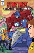 Star Trek vs. Transformers issue 2 cover RI