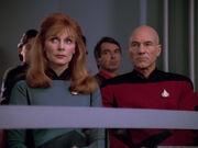 Crusher und Picard bei der Anhörung von Wesley