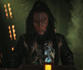 K'vort on the bridge of a Cleave Ship, 2257