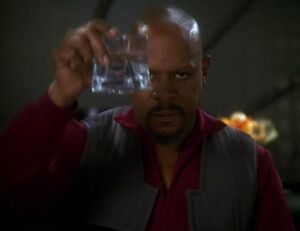 Benjamin Sisko toasts the good guys