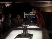 Kira ist über Anspielungen der Romulaner empört