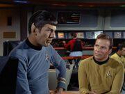Kirk und Spock reden über die Botany Bay