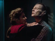 Janeway attacks Alzen