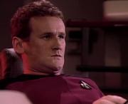 O'Brien procédant à la jonction du module soucoupe en 2364
