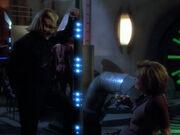 Janeway nimmt Kontakt mit Dieb auf