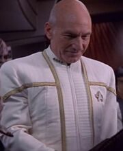 Picard in Galauniform 2375