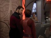 Kira zeigt Riker die Station