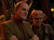 Odo und Quark machen sich einen Spaß mit O'Brien und Bashir