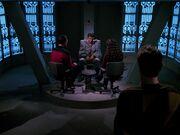 Riker und Troi verhören Setal