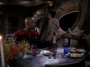 Kasidy verlässt Essen mit Sisko