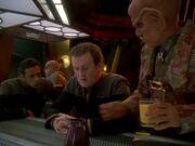 Worfs Freunde sorgen sich um ihn