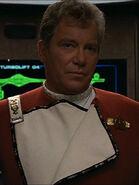 Kirk mit geöffneter Uniformjacke