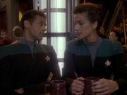 Bashir und Dax beratschlagen Sisko