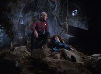 The Arsenal of Freedom - Picard i nieprzytomna Crusher