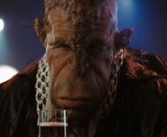 Long faced alien, Shipyard bar