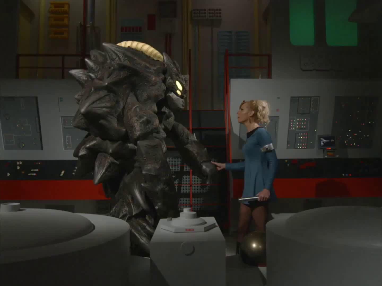 Star Trek Continues - No te interpongas entre dragones - Come Not Between the Dragons (en español)