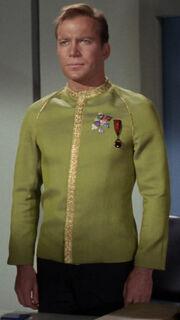 Kirk in Galauniform