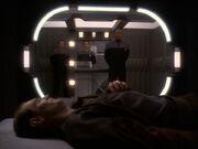 Sisko besucht Eddington